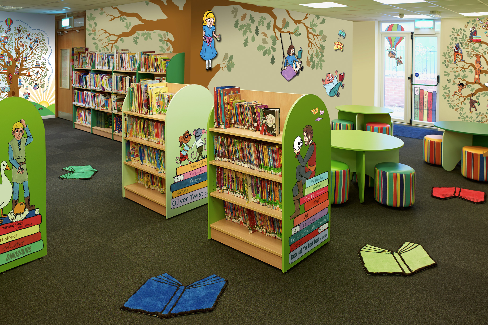 Classroom Design To Promote Literacy : Classroom reading area library displays the magical
